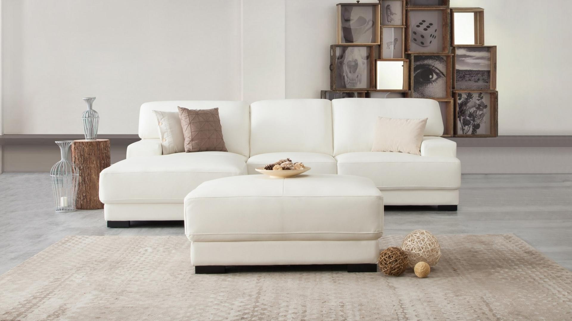 Volante leather chaise lounge option a lounge life for Chaise volante